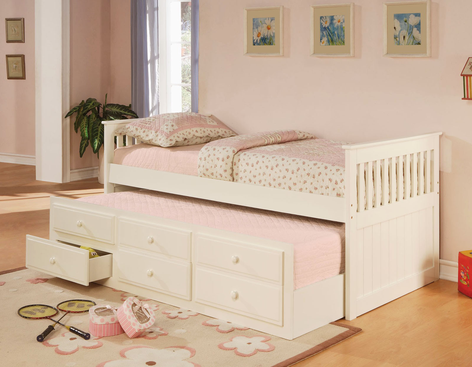 Picture of: Modern Daybeds Home Decorator Shop